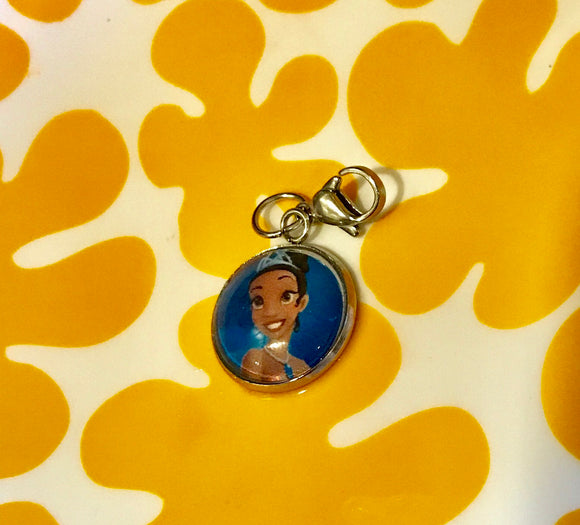 Tiana resin cabochon charm- 16mm