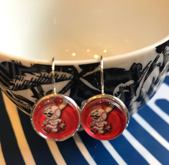 Cincinnati Reds glass cabochon earrings- 16mm