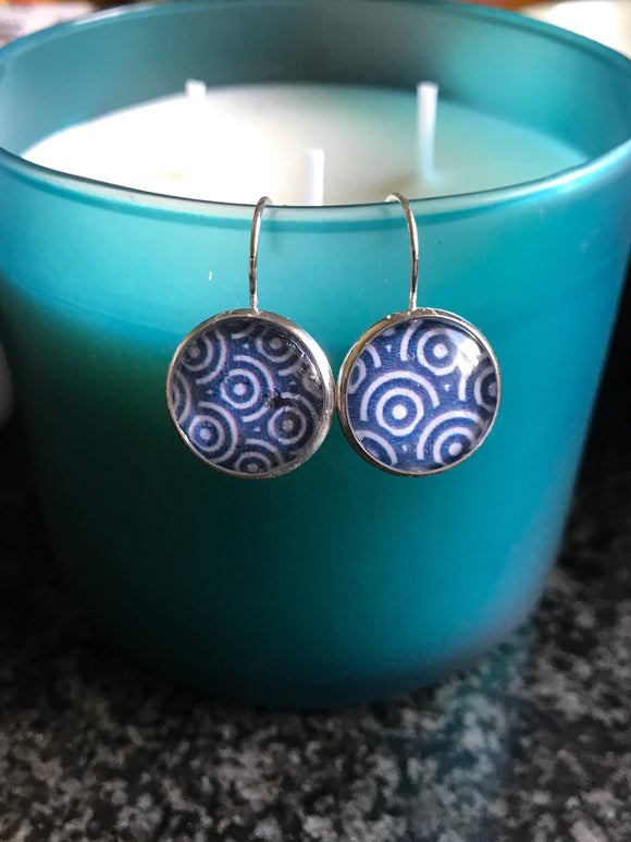 Blue and White circles cabochon earrings- 16mm