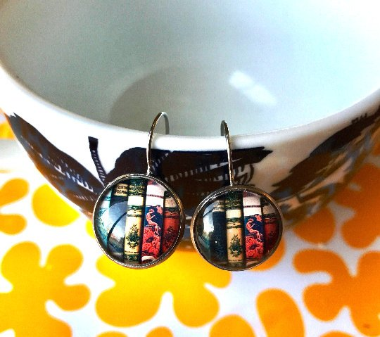 Books glass cabochon earrings - 16mm