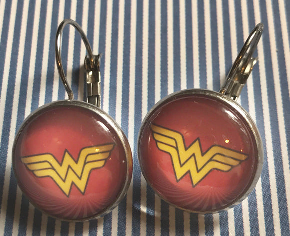 Wonder Woman glass cabochon earrings - 16mm