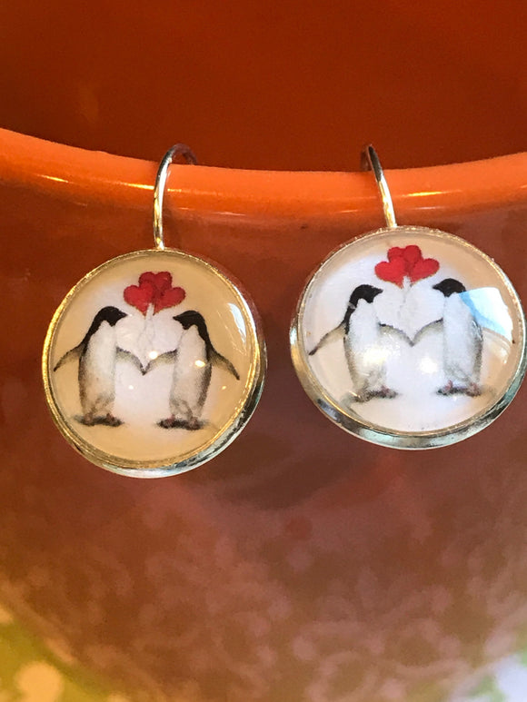 Penguins with Heart balloons cabochon earrings - 16mm