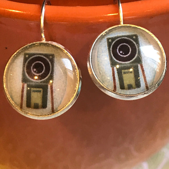 Vintage Camera cabochon earrings - 16mm