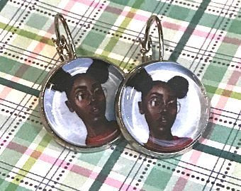 Young Black woman with glasses earrings - 16mm