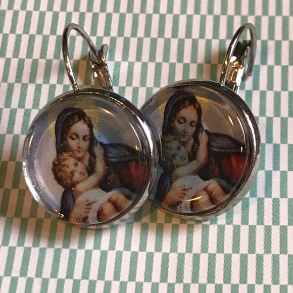 Madonna and child cabochon earrings - 16mm