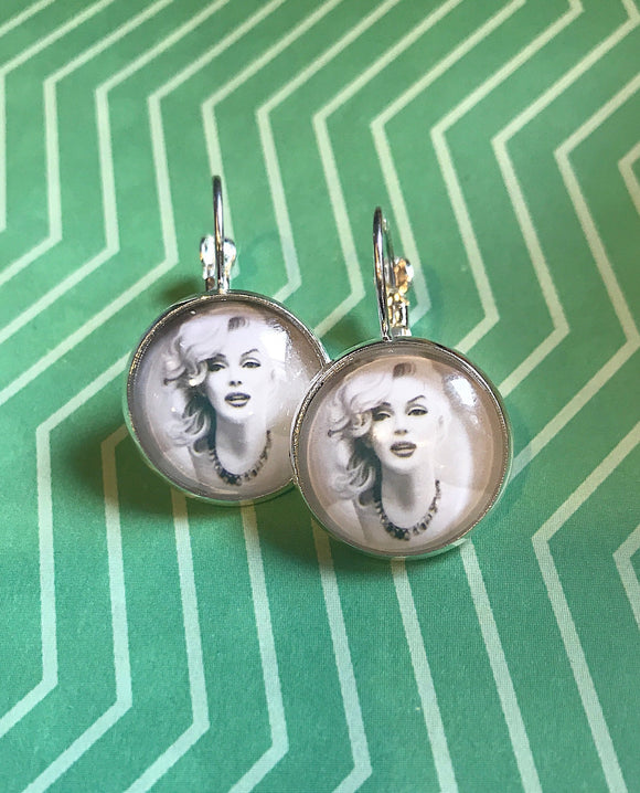 Marilyn Monroe glass cabochon earrings- 16mm