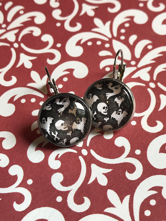 Ghost and skull glass cabochon earrings - 16mm