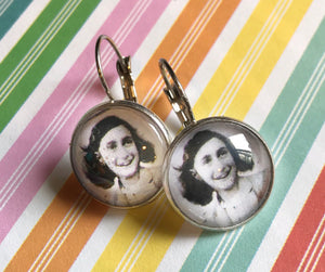 Anne Frank glass cabochon earrings - 16mm
