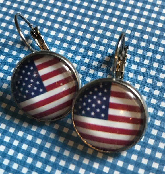 American Flag glass cabochon earrings- 16mm