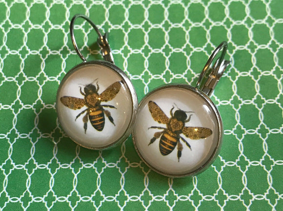 Yellowjacket bee glass cabochon earrings - 16mm