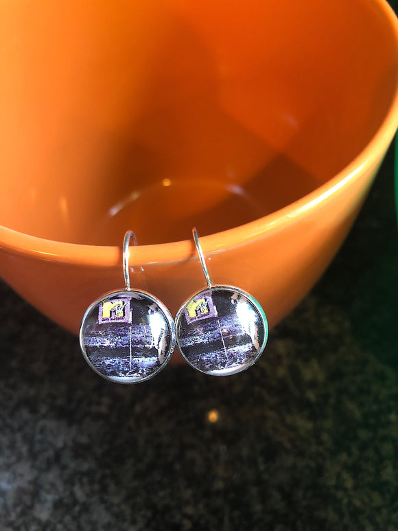 MTV moon walk glass cabochon earrings - 16mm