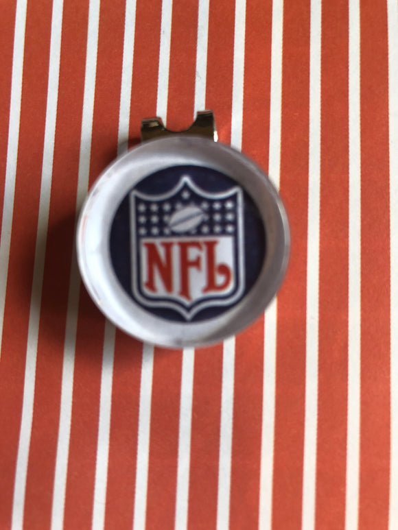 NFL glass cabochon visor clip with ball marker - 16mm