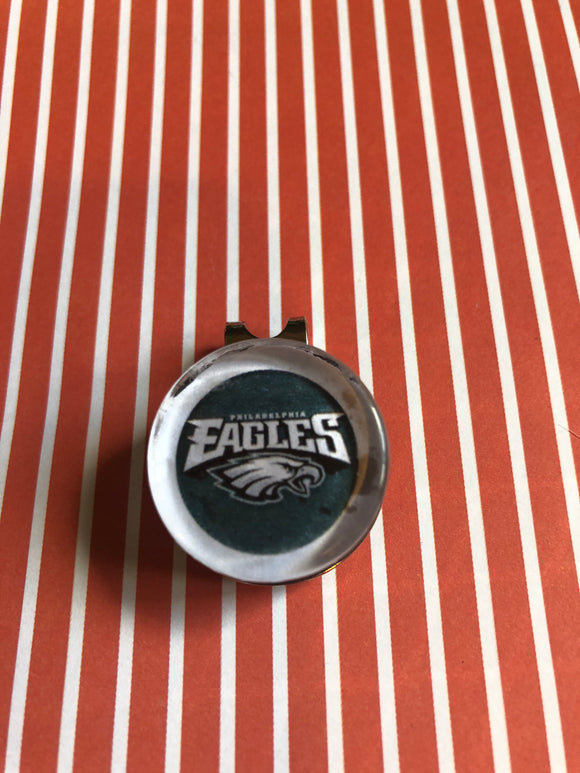Philadelphia Eagles glass cabochon visor clip with ball marker - 16mm