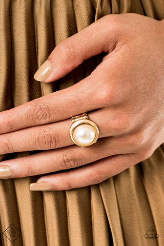 Paparazzi Ring-Prim and Prosper-Gold