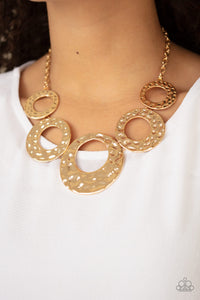 Paparazzi Necklace-Mildly Metro-Gold