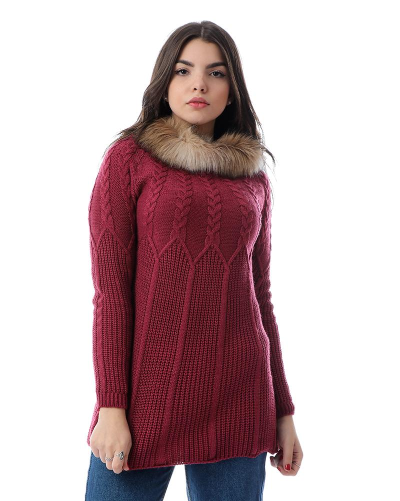 Knitted Long Sleeves Pullover With Fur Neck - Dark Magenta