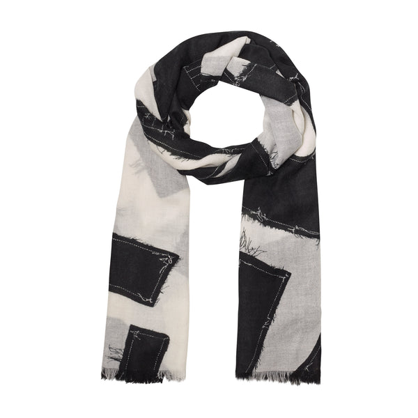 THE RAW STITCH OBLONG SCARF
