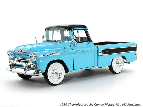1958 Chevrolet Apache Cameo Pickup 1:24 M2 Machines diecast scale model truck