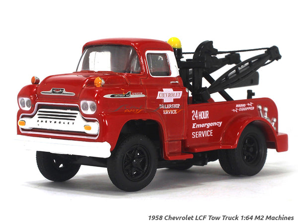 1958 Chevrolet LCF Tow Truck 1:64 M2 Machines diecast Scale Model Truck