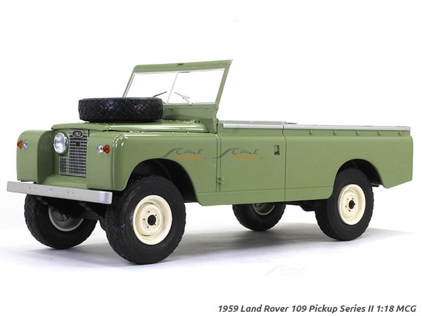 1959 Land Rover 109 Pickup Series II 1:18 MCG diecast Scale Model Car