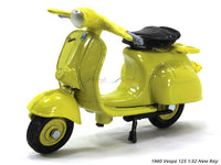 1960 Vespa 125 1:32 New Ray diecast scale scooter bike