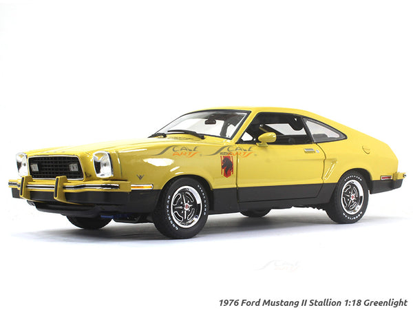 1976 Ford Mustang II Stallion 1:18 Greenlight diecast scale model car