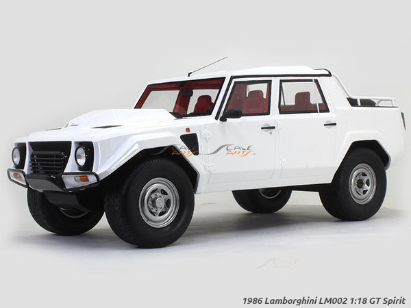 1986 Lamborghini LM002 1:18 GT Spirit scale model car