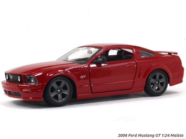 2006 Ford Mustang GT 1:24 Maisto diecast scale model car