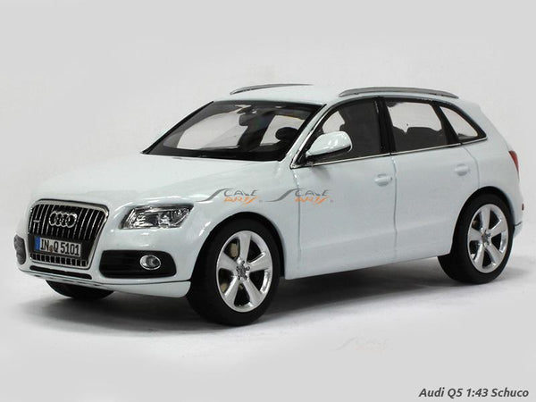 Audi Q5 white 1:43 Schuco diecast Scale Model car