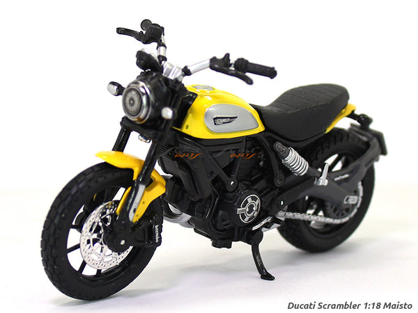 Ducati Scrambler Blister pack 1:18 Maisto diecast scale model bike