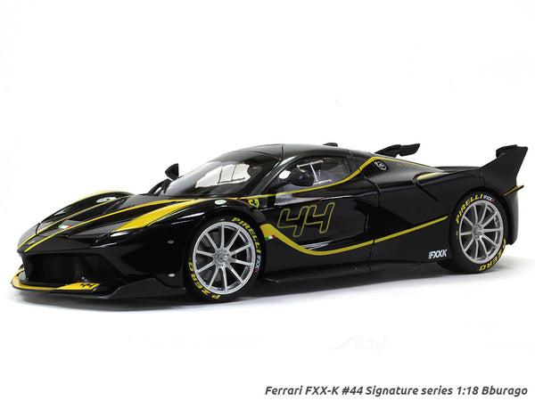 Ferrari FXX-K #44 Signature Series 1:18 Bburago diecast scale model car