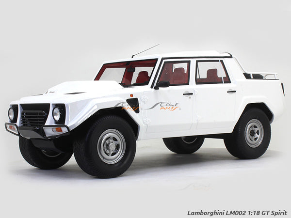 Lamborghini LM002 1:18 GT Spirit scale model car