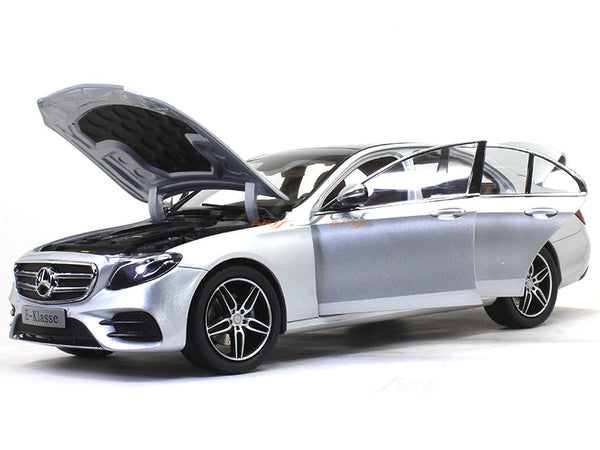 Mercedes-Benz E-Class W213 AMG Line silver 1:18 iScale diecast Scale