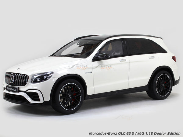 Mercedes-Benz GLC 63 S AMG 1:18 Dealer Edition GT Spirit scale model car