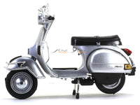 Vespa P200E silver 1:12 NewRay scale model bike