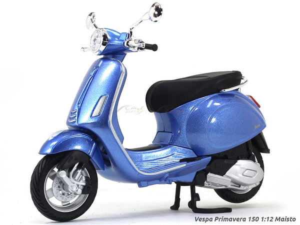 Vespa Primavera 150 blue 1:12 Maisto diecast Scale Model bike