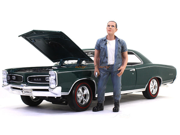 Mechanic 2 figure 1 1:18 American Diorama scale model