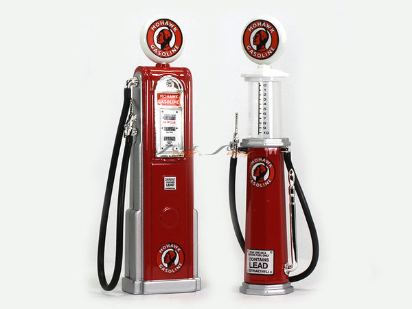 Mohawk Gasoline Service Gas Pump set 1:18 Road Signature Yatming diecast model