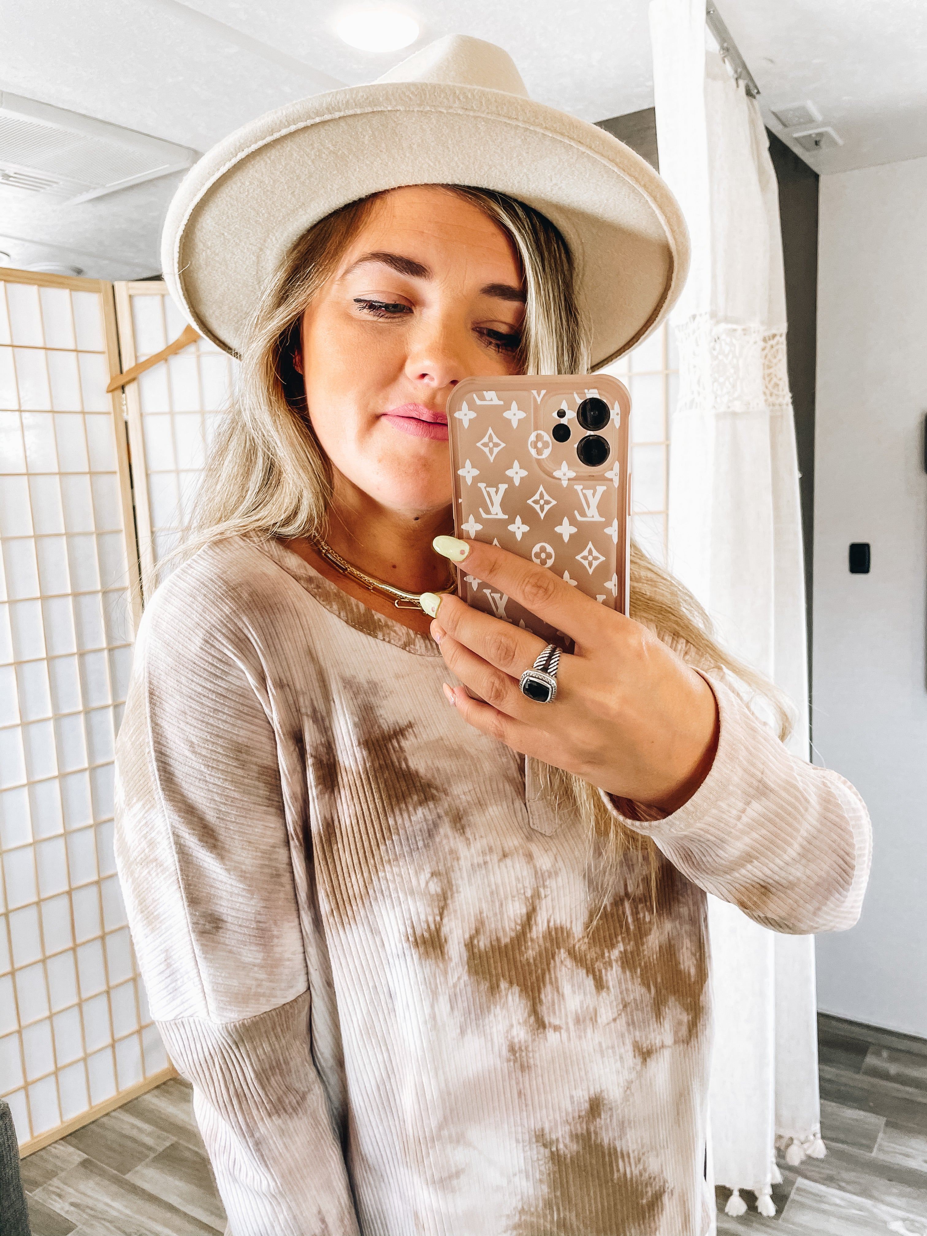 On Trend Taupe Hat