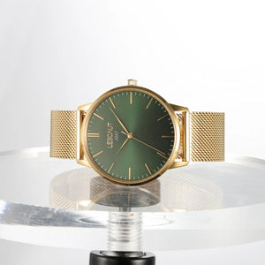 LESCAUT Emerald Collection close-up quartz horloge groene wijzerplaat geel goud kast geelgoud milanese bandje Green dial face watch yellow gold case gold mesh strap