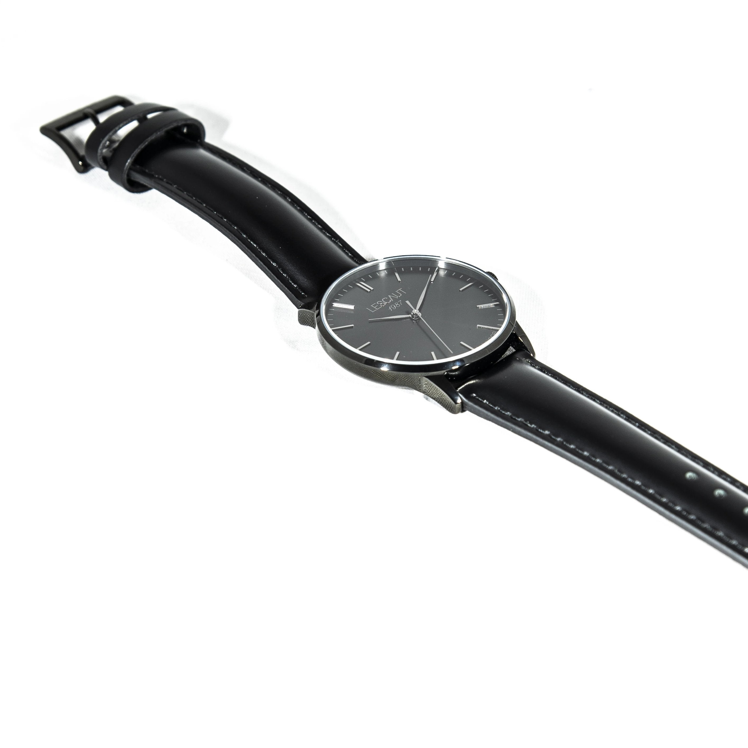 LESCAUT Black Hand horloge zwart staal kast zwarte wijzerplaat zwart leder bandje Watch black steel case black dial black leather strap