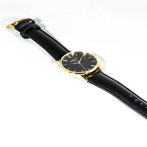 LESCAUT horloge the gold mavin quartz zwarte wijzerplaat geel gouden horlogekast zwart leer bandje Yellow gold case deep black dial black leather watch strap