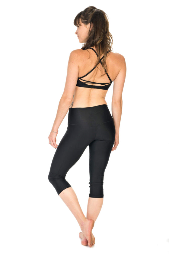 The OM Collection Leggings High Waist 3/4 Capri Leggings// Luxe