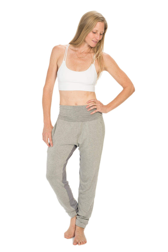 The OM Collection Pants Grey / XS Fem Jogger