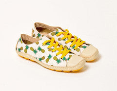 Moccasin Pineapple