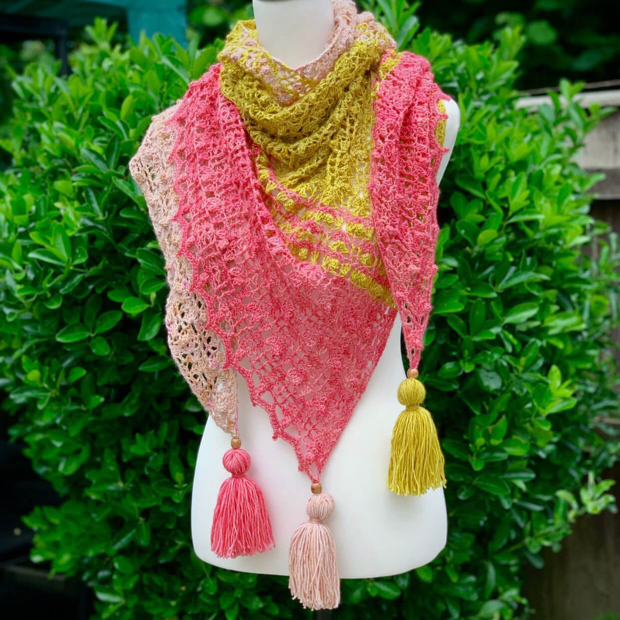 Bobblegum Shawl - Lisa's Attik - Emma's Practically Perfect Sock with Pattern | Yarn Worx