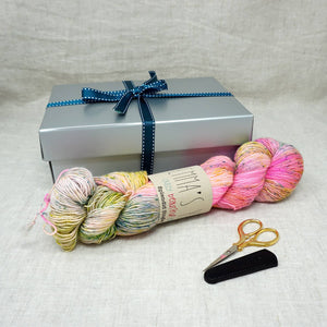 Christmas Knit or Crochet Gift 7 (1 x 100g Emmas Yarn Singles skein & Tulip Yarn Scissors) Vacay