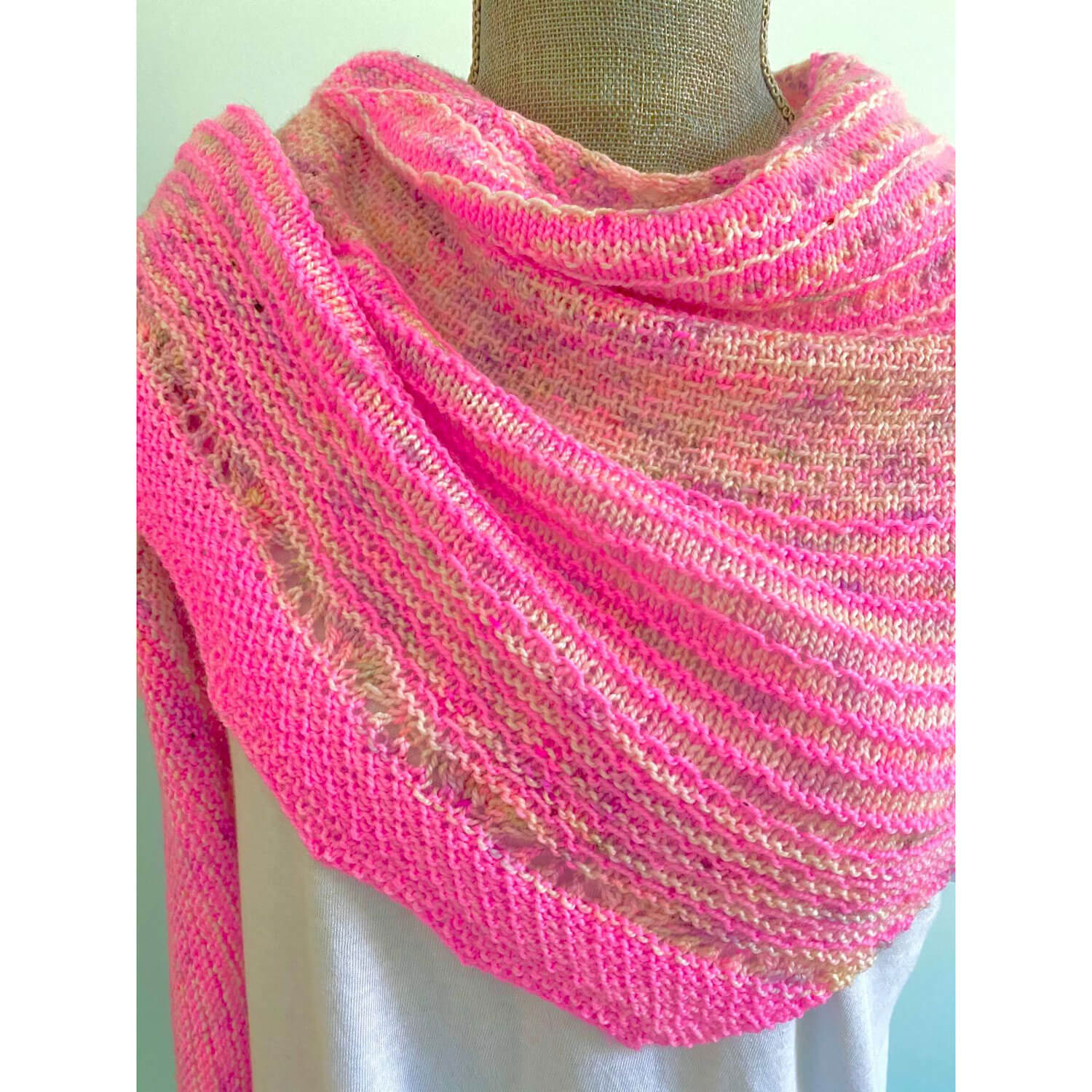 Hug Shot Shawl Kit - Casapinka Pattern - Emma's Yarn Super Silky WITH FREE PATTERN | Yarn Worx