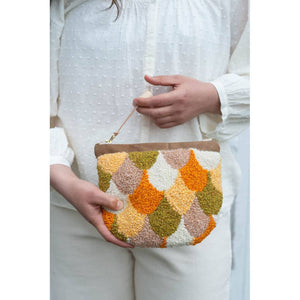 Making Magazine - No 10 - INTRICATE - Scallop Pouch by Arounna Khounnoraj