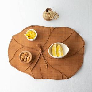 Making Magazine - No 10 - INTRICATE - Lotus Leaf Mat by Youngmin Lee